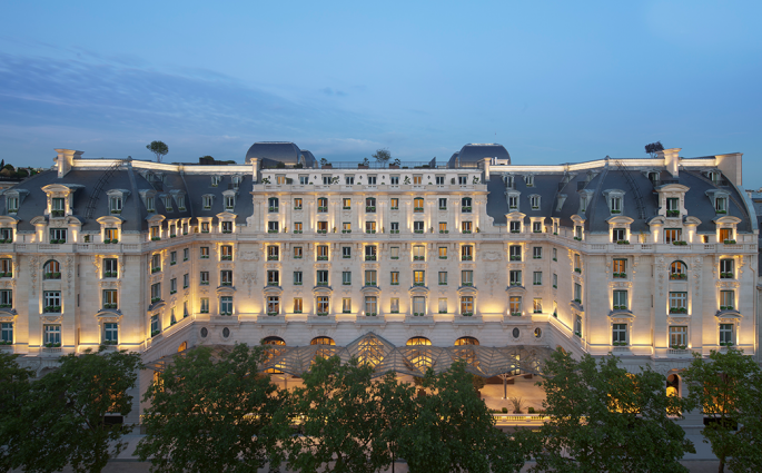 Le Peninsula Paris