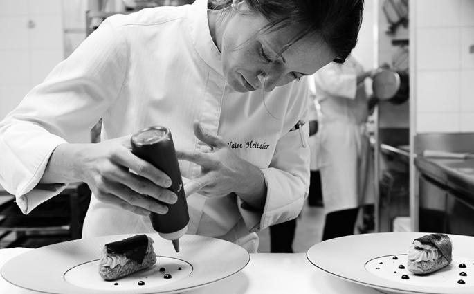 Claire Heitzler - Chef Pâtissière au restaurant Lasserre - © Lasserre