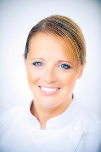 Claire Heitzler - Chef Pâtissière du restaurant Lasserre - © Lasserre