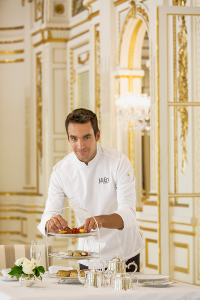 Le Chef Pâtissier Julien Alvarez - © Peninsula Paris