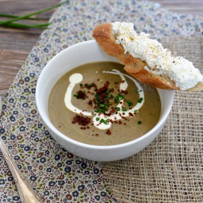 Velouté de lentilles au chorizo et tartine de fromage frais © Tendance Food