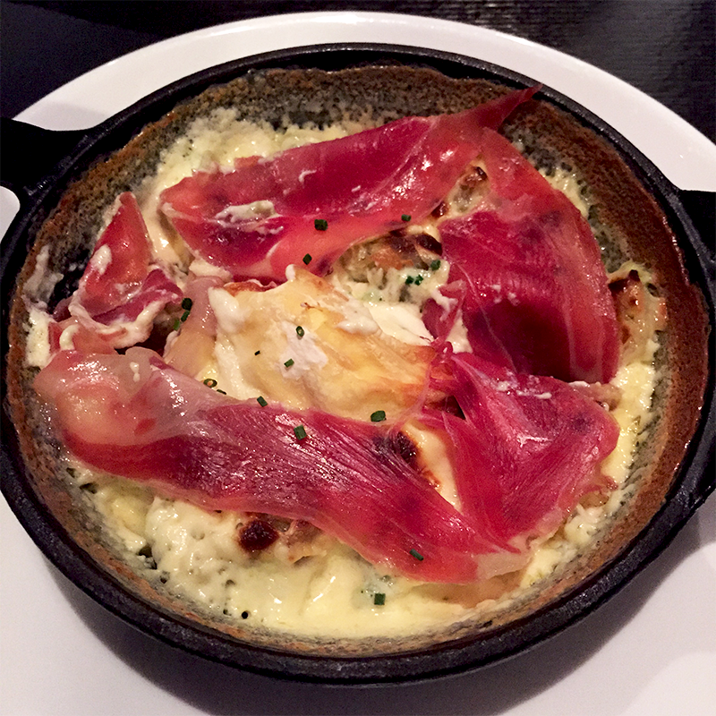 Ravioles de Royan, Saint Marcellin et jambon cru - Apérock   © Tendance Food