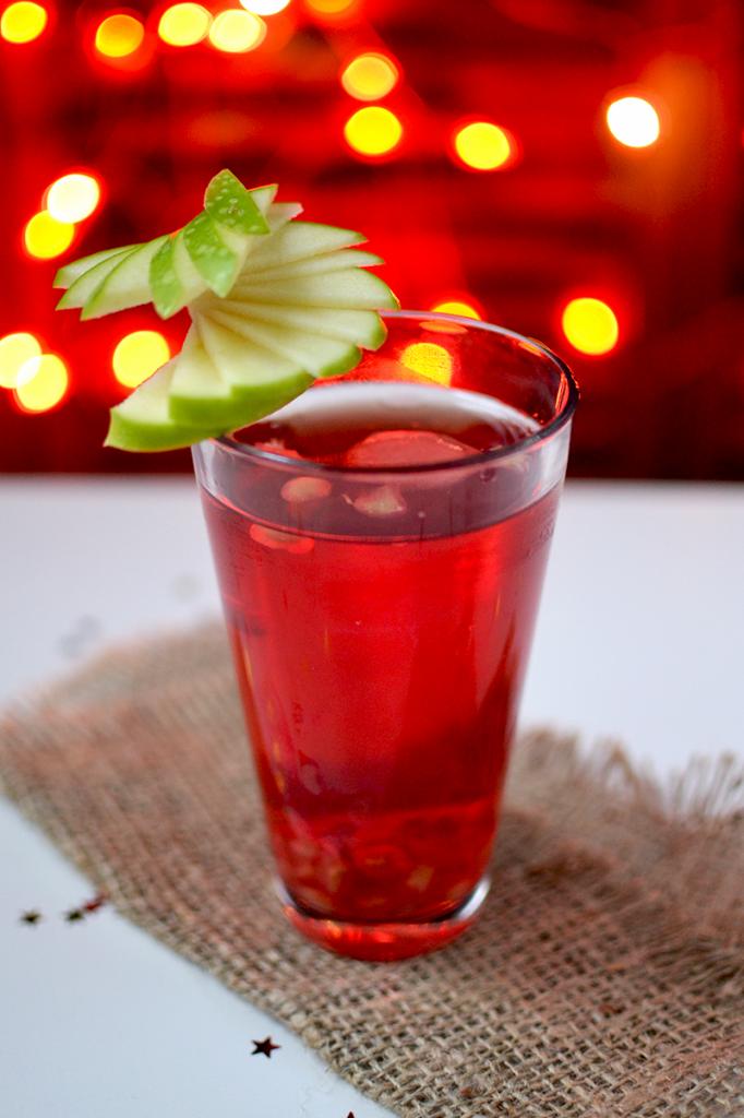 Décoration de pomme en rosace sur cocktail  © Tendance Food