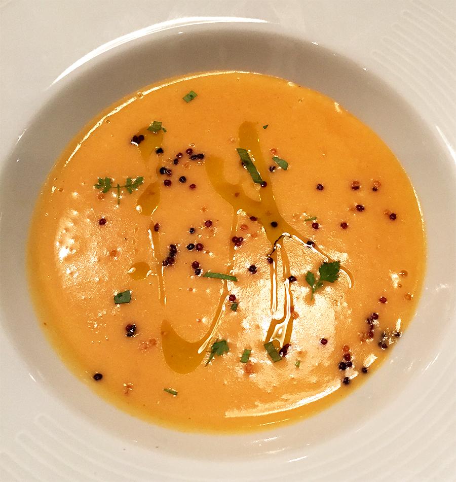 Velouté de pomme de terre et piment doux, quinoa rouge croustillant  - Ancienne Maison Gradelle  © Tendance Food