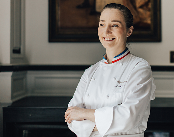 La chef Viriginie Basselot (MOF 2015) ©Saint James Paris